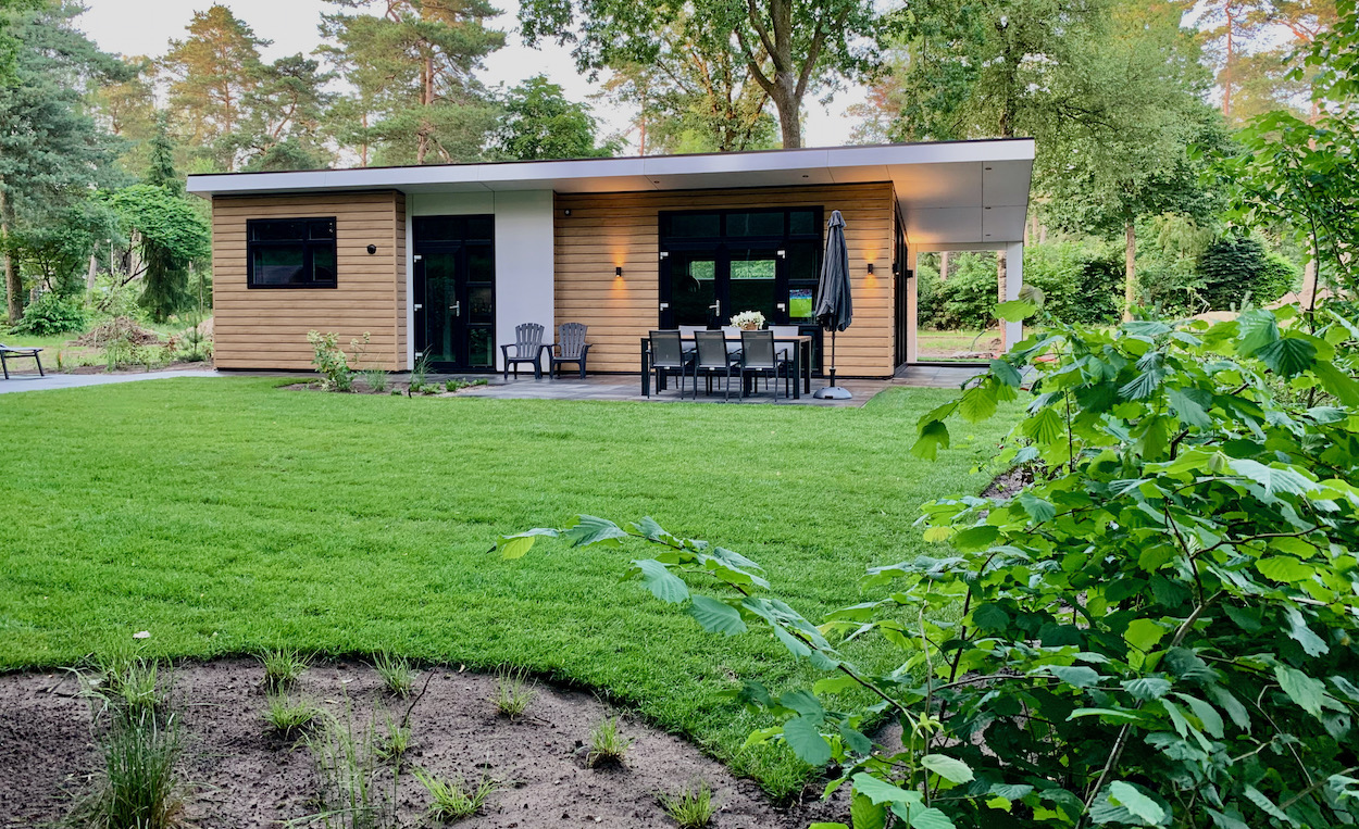 https://huisveluwehuren.nl/wp-content/uploads/2021/08/bungalow-garderen-1.jpeg